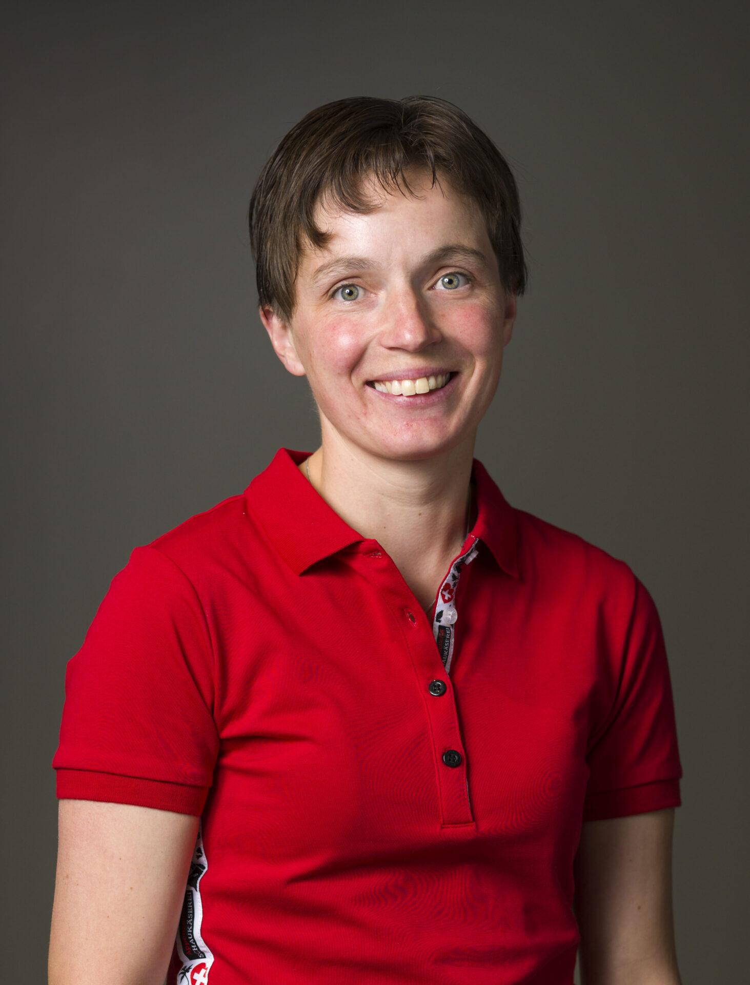 Erika Knöpfli, Service