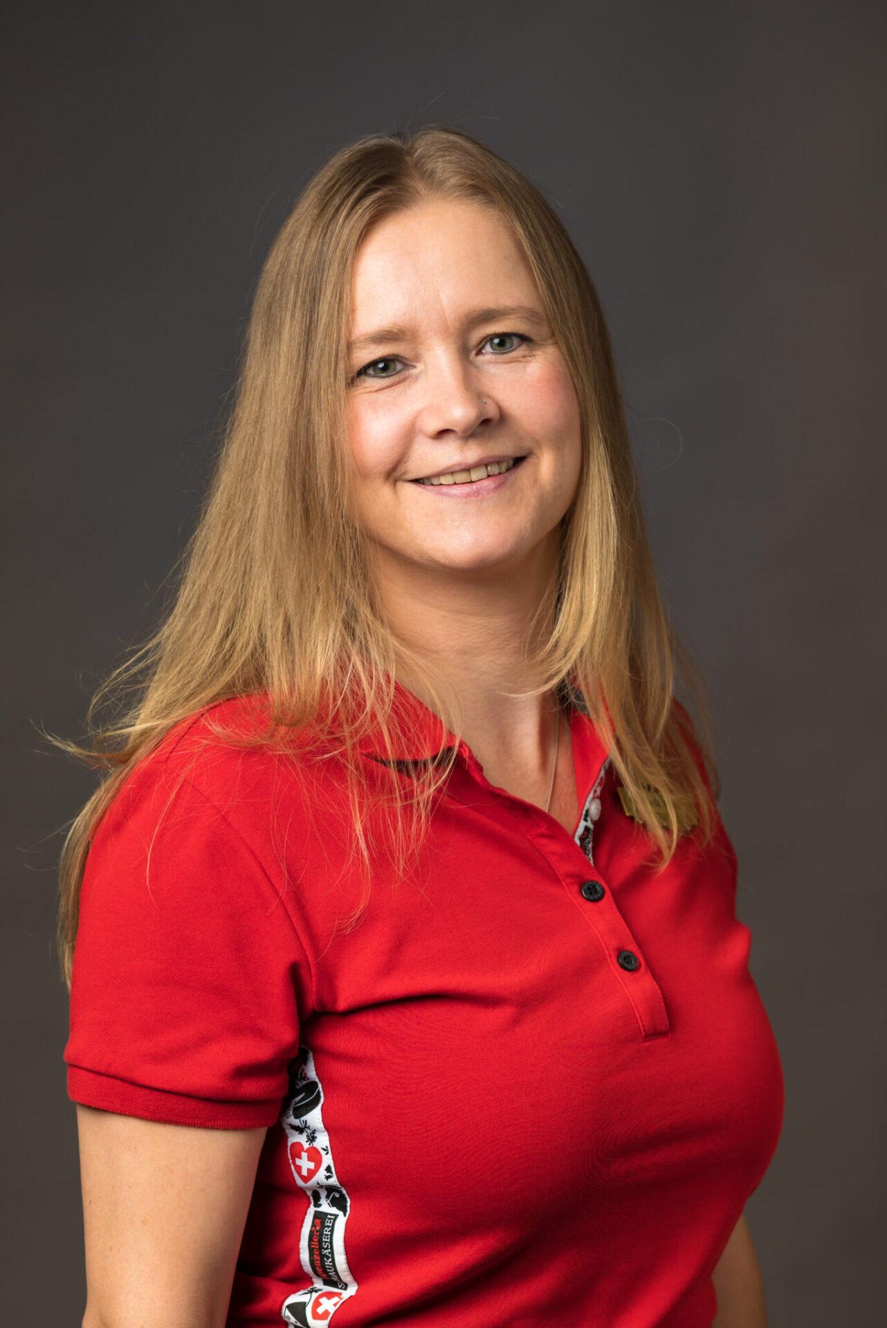 Manuela Meier, Service